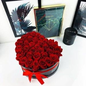 rosenbox mit rote infinity rosen