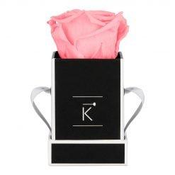 Kleine Rosenbox in schwarz weiß mit pinker Infinityrose