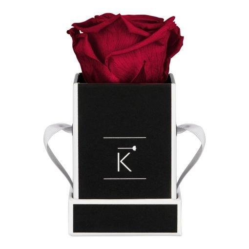 Kleine Rosenbox in schwarz weiß mit roter Infinityrose