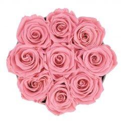 Runde Rosenbox aus hellgrauem Samt mit pinken Infinityrosen von oben