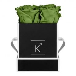 Eckige Rosenbox in schwarz weiß mit grünen Infinityrosen