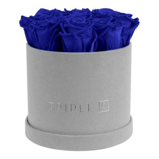 Runde Rosenbox aus hellgrauem Samt mit blauen Infinityrosen