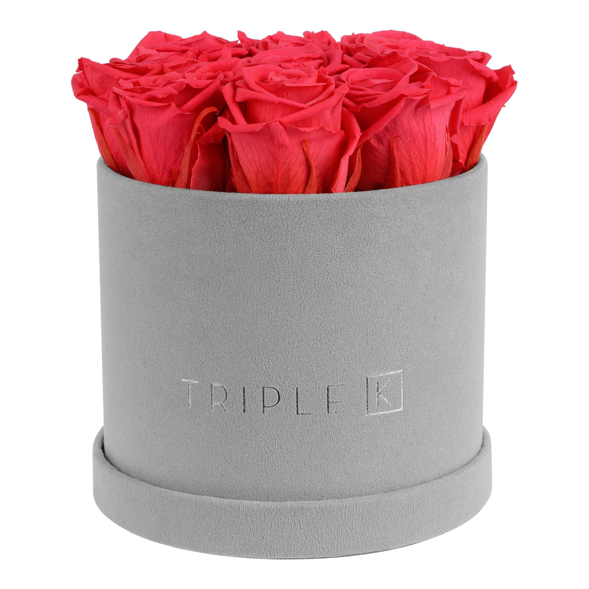 Runde Rosenbox aus hellgrauem Samt mit peach pinken Infinityrosen