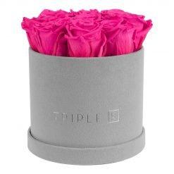 Runde Rosenbox aus hellgrauem Samt mit purple pinken Infinityrosen