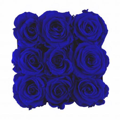 Eckige Rosenbox mit blauen Infinityrosen von oben