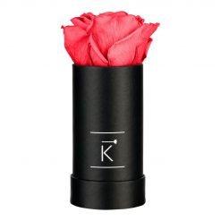 Kleine schwarze Rosenbox mit peach pinker Infinityrose