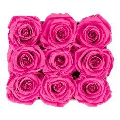 Eckige Rosenbox aus hellgrauem Samt mit purple pinken Infinityrosen von oben